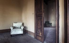 Картинка комната, кресло, двери