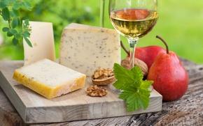 Картинка зелень, отражение, стол, вино, белое, листва, бокал, сыр, доска, груши, грецкий орех, ломти