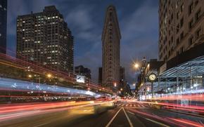 Обои дорога, улица, здания, Нью-Йорк, ночной город, Манхэттен, Manhattan, New York City, небоскрёб, Flatiron Building, Флэтайрон-билдинг