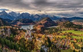 Обои тучи, домики, горы, Germany, Bavaria, Германия, деревья, день, Deutschland, Neuschwanstein Castle, Замок Нойшванштайн, небо, Бавария, ...