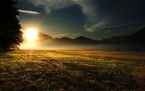 Картинка поле, небо, трава, солнце, облака, лучи, свет, деревья, пейзаж, горы, природа, холмы, утро