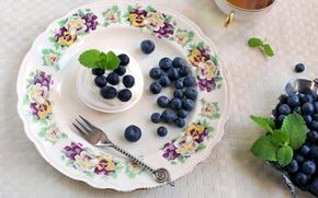 Обои безе, чай, десерт, вилка, тарелка, черника, ягоды, крем, посуда