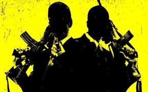 Картинка оружие, стволы, пушки, костюм, мужики, желтый фон, убийцы, автоматы, жестокие, фильм Кейн и Линч, пухи, …