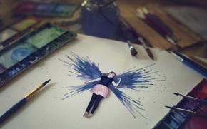Картинка девушка, бумага, краска, кисти