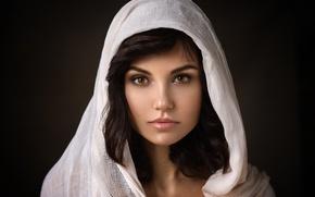 Картинка глаза, взгляд, девушка, портрет, белая накидка, фотограф Dennis Drozhzhin