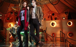 Обои сериал, платформа, Doctor Who, консоль, Доктор Кто, Мэтт Смит, Matt Smith, Amy Pond, Карен Гиллан, ...