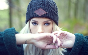 Картинка girl, woman, model, tattoo, bokeh, cap, blonde, tattoos, cold, female, Amy Crilley, Glory