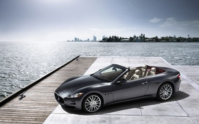 Картинка вода, машины, фото, города, океан, widescreen, cars, мазерати, maserati gran cabrio