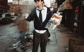 Обои шляпа, пластинки, улица, Джонни Ноксвил, чудаки, гастук, Johnny Knoxville