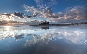 Картинка море, солнце, облака, замок, мель, Bamburgh Castle, Northumberland coast