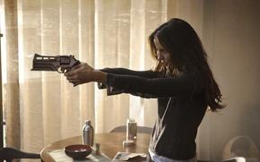 Картинка пистолет, оружие, кадр, Kate Beckinsale, Кейт Бекинсейл, Total Recall, Вспомнить всё
