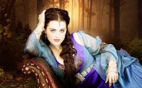 Обои dress, eyes, beautiful, sofa, jewelry, Merlin, katie mcgrath