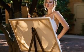 Картинка блондинка, холст, рисует, мольберт