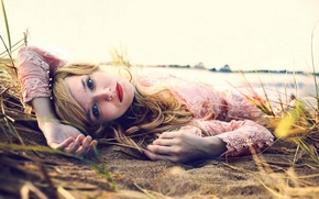 Картинка Beach, Girls, Wallpaper, Eyes, Blonde, Sand, Background, Lips, Seductive, Moods, Resting