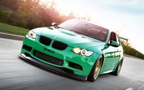 Картинка car, зеленый, green, обои, фары, тюнинг, bmw, бмв, автомобиль, 2011, tuning, coupe, монстер, едет, e92, …