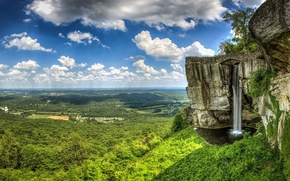 Картинка обрыв, горы, водопад, деревья, облака, небо, скалы, долина, лес