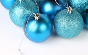 Обои голубые, макро, праздник, блестят, елочные шары