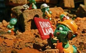 Картинка детство, табличка, игрушка, стройка, молоток, кепка, сюрприз, киндер, Dinoland