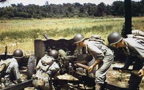 Картинка огонь, солдаты, пушка, WW2, калибра, противотанковая, английская, артиллеристы, 57 мм, QF 6-pounder, 6-фунтовая, противнику, 7 …