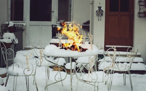 Картинка зима, снег, огонь, человек, человечки, костер, фотограф, деревянный, photography, photographer, ikea, David Olkarny