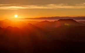 Обои горы, рассвет, солнеце, лучи