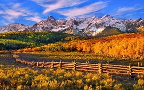 Картинка осень, лес, небо, закат, горы, забор