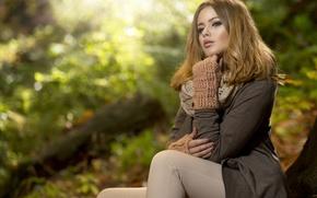 Картинка осень, девушка, лучи, природа, макияж, шатенка, пальто, митенки