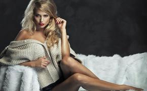 Картинка ноги, кофта, Monika Jaros