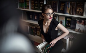 Картинка декольте, библиотека, Maxim Guselnikov, Brina, Октябрина Максимова
