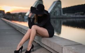 Картинка девушка, город, туфли, шляпка, ножки, Anders Hansen, Elin