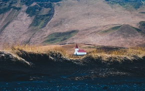 Картинка land, mountain, hills, Iceland, building, church, construction, soil, Vik, Vík í Mýrdal