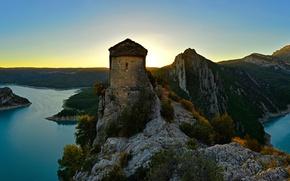 Картинка закат, горы, камни, скалы, панорама, крепость, Испания, озёра, La Pertusa