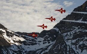 Картинка небо, горы, Альпы, самолёты, ВВС Швейцарии, лёгкие многоцелевые истребители, Нортроп F-5 «Фридом Файтер»/«Тайгер» II