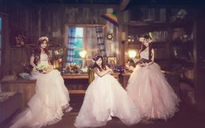 Обои девушки, комната, платье, азиатки