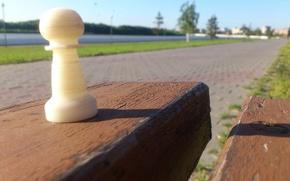 Картинка скамейка, дерево, тратуар, Шахматная пешка