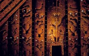 Картинка New Zealand, Maori, Wooden sculptures, Watching eyes, Мемориальный Музей Окленда