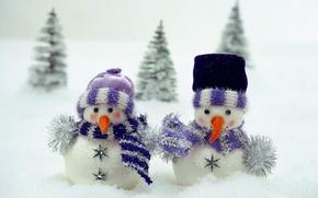 Обои игрушка, елка, снег, шарф, снеговики, детское