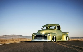 Картинка Chevrolet, wheels, road, sky, front, hill, horizon, 1949, headlight, chopped