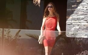 Картинка девушка, красное, модель, платье, актриса, очки, блондинка, сумочка, Rosie Huntington-Whiteley, Роузи Хантингтон-Уайтли