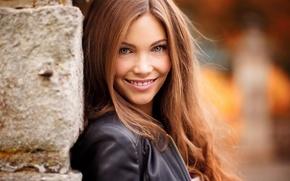 Картинка девушка, лицо, милая, зубы, макияж, куртка, веснушки, light, шатенка, красивая, mood, приятная, inspiration, боке, amazing, ...