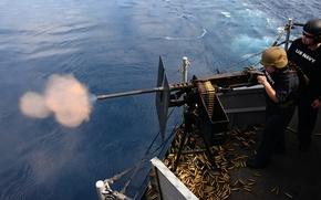 Картинка оружие, стрельба, U.S. Marines, USS Boxer (LHD 4), 50-caliber machine gun