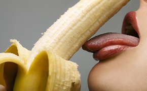 Обои lips, teeth, tongue, banana