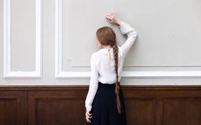 Картинка девушка, стена, коса, Sandra Plajzer
