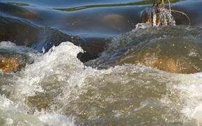 Обои вода, брызги, река, препядствие, течение, бурлит