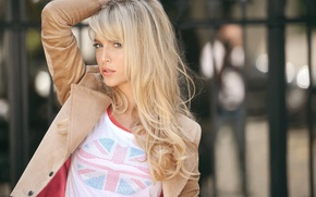 Картинка девушка, модель, актриса, флаг, футболка, блондинка, пиджак, Luisana Lopilato, Луисана Лопилато