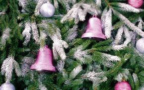 Картинка снег, елка, новый год, колокольчики