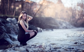 Обои Outdoors, Beauty, Black, Portrait, Model, Blonde, Alessia, Nature, Girl, Sky, Water, Fashion, Woman, River, Dress, ...