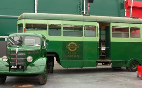 Картинка London Transport, для обслуживания экипажей автобусов в перерывах, автобус-столовая, 702B (JXC 2), Bedford / Скаммелл