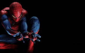 Обои The Amazing Spider-Man, Andrew Garfield, Новый Человек-паук, Эндрю Гарфилд, костюм, герой, темнота