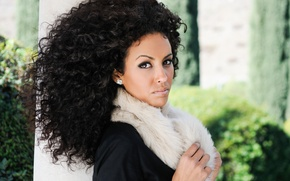 Картинка woman, eyes, beauty, afro hairstyle